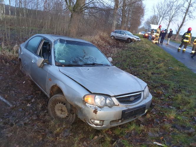 Dwa wypadki w jednym miejscu pod Karlinem - trzy osoby ranne!