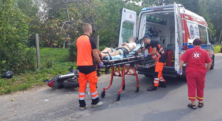 Wypadek pod Białogardem  - kierowca jednośladu stracił panowanie nad pojazdem.