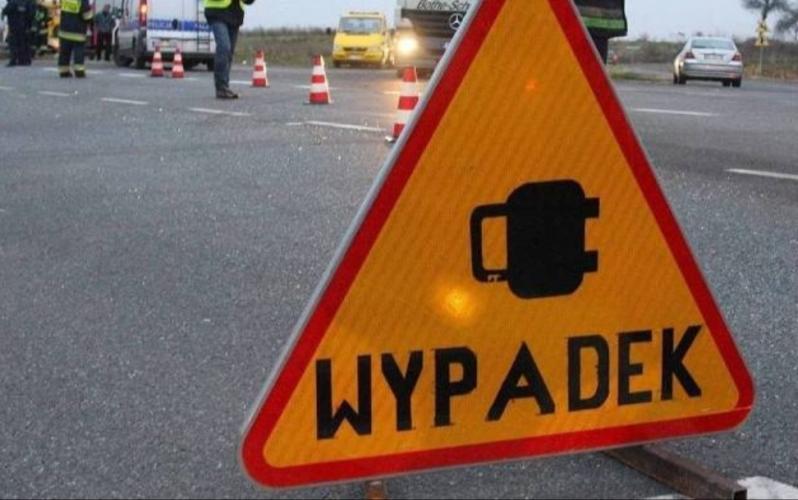 Wypadek  pod Tychowem  - 7 latek potrącony przez auto.