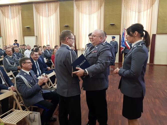 Odprawa Służbowa  i pożegnanie Komendanta Powiatowego Policji w Białogardzie - obszerna fotorelacja.