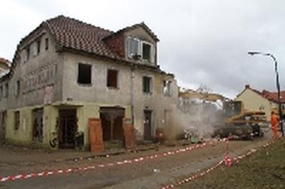 Wyburzanie budynku przy ulicy Grottgera FILM