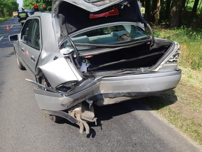 Zderzenie dwóch pojazdów w Karlinie  - dwie osoby poszkodowane!