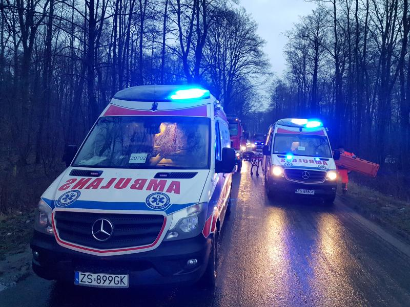 Wypadek drogowy pod Karlinem - 3 osoby ranne!