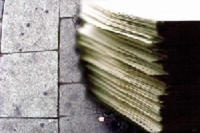 Tychowo - dokumenty leżą na ulicy