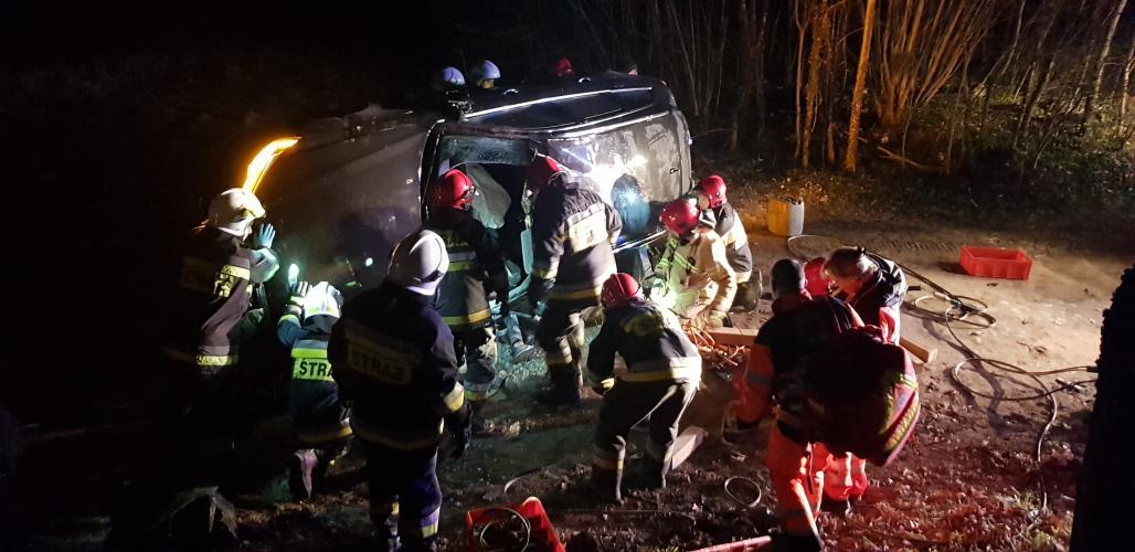 Poważny wypadek pod Białogardem! Ciężko ranny mężczyzna. ZDJĘCIA