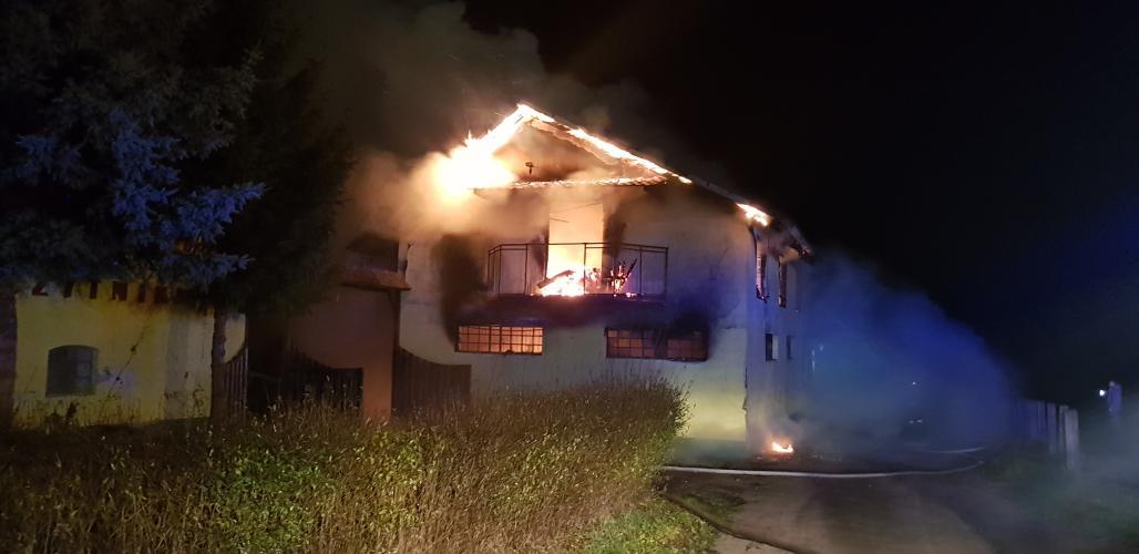 Ogromny pożar w stadninie koni Szczytniki w Lulewiczkach pod Białogardem.