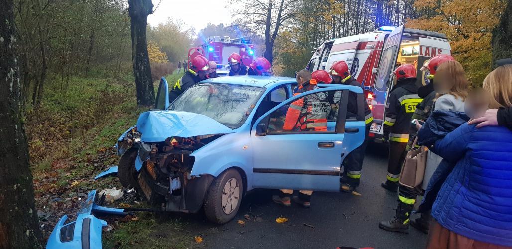 Wypadek pod Białogardem - jedna osoba trafiła do szpitala.