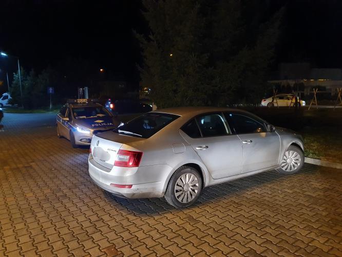 Policjanci odzyskali skradzioną Skodę - 23 latek trafił do aresztu.