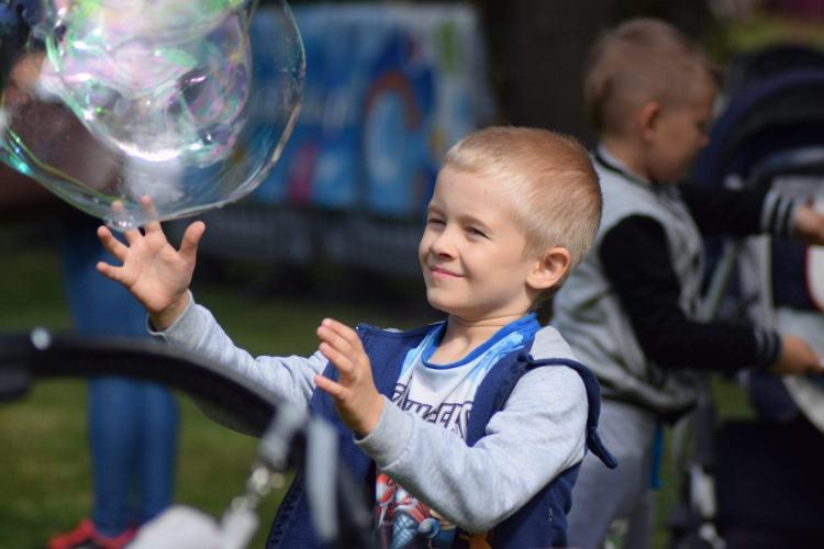 Zaczarowany świat mydlanych baniek - Bubble Day w Białogardzie.