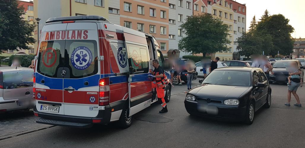 Wypadek w centrum Białogardu  - 8 latka potrącona przez auto.