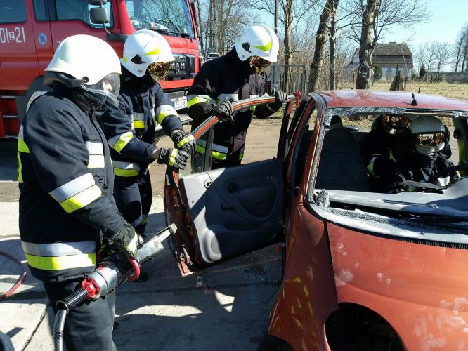 Strażacy z powiatu białogardzkiego podnoszą swoje umiejętności! Obszerna fotorelacja.