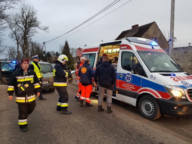 4 latek wbiegł pod koła Renault - trafił do szpitala w Koszalinie!