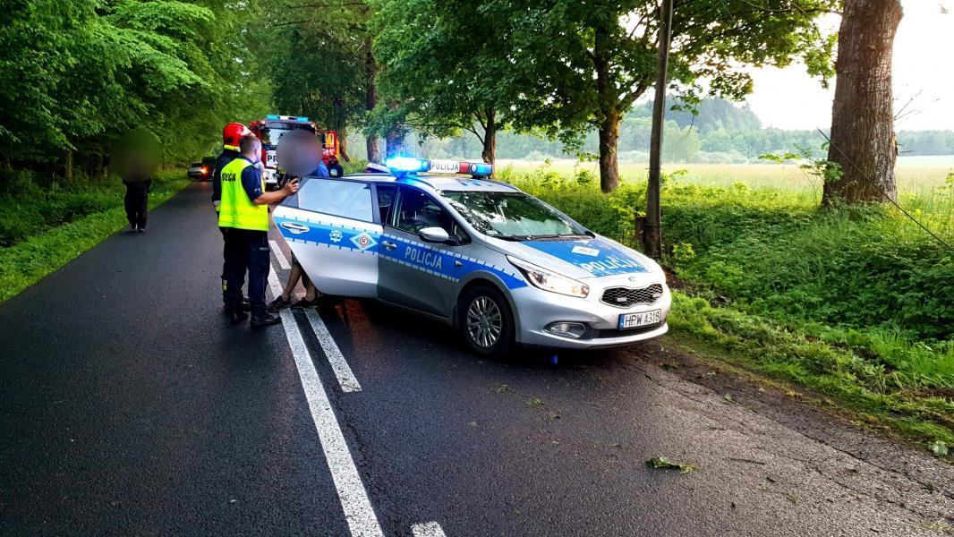 Dachowanie pod Tychowem  - policja zatrzymała dwóch młodych mężczyzn!