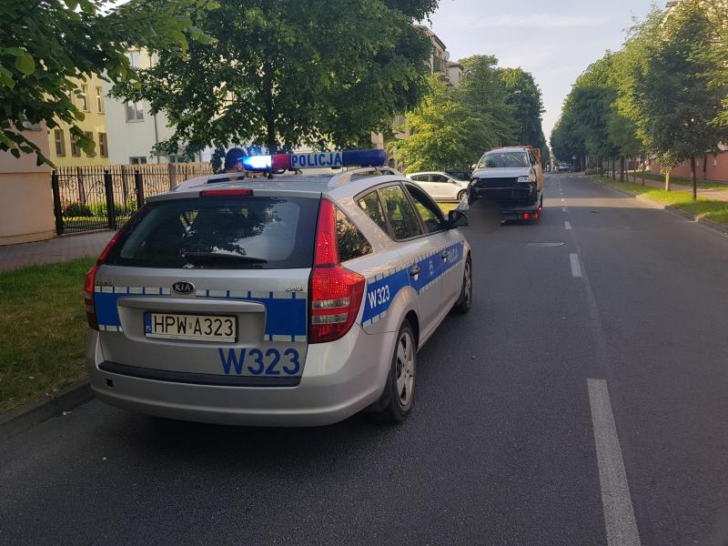 Pijany kierowca uciekał z miejsca zdarzenia  - trafił do policyjnego aresztu!