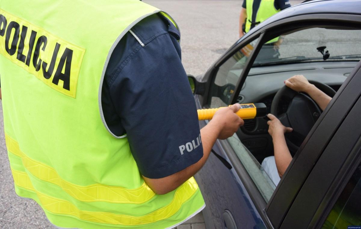 Obywatelskie zatrzymanie w Białogardzie. Pijany kierowca trafił do aresztu!