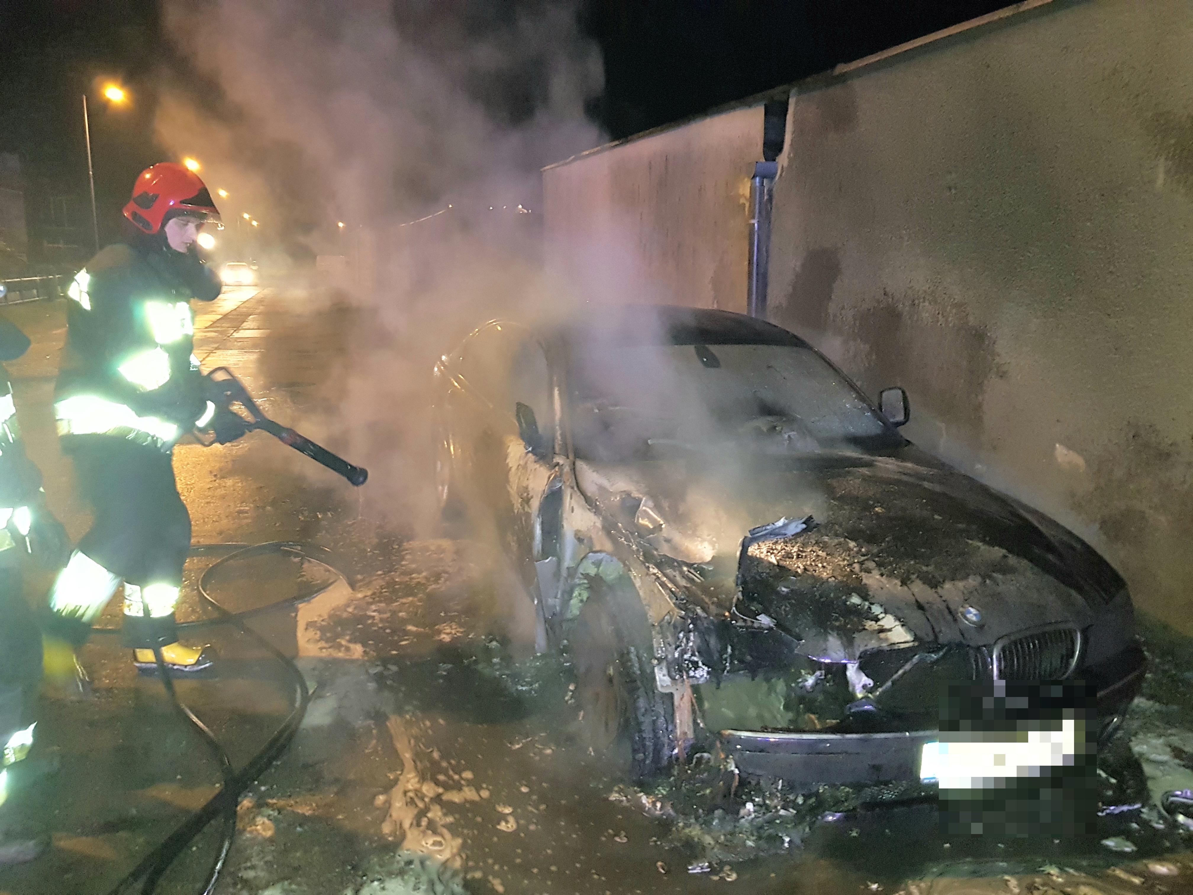 Pożar auta w Białogardzie - Spłonęło BMW