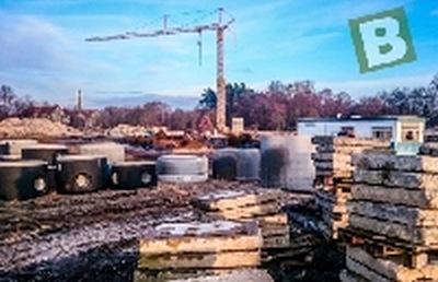 Prace budowlane przy basenie trwają.