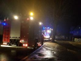 Pożar w kotłowni domku jednorodzinnego - poparzony mężczyzna trafił do szpitala.