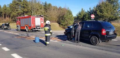 Zderzenie trzech pojazdów na obwodnicy Karlina. Droga całkowicie zamknięta!