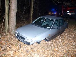 Wypadek pod Białogardem  - Opel wypadł z drogi!
