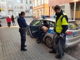 Policyjny pościg w centrum Białogardu! Dwóch mężczyzn trafiło do aresztu.