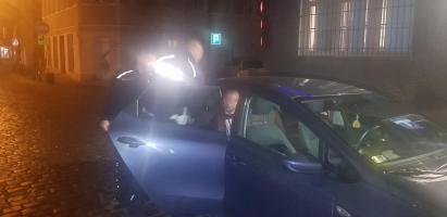 Policyjny pościg zakończył się w lesie - kierowca trafił do aresztu.