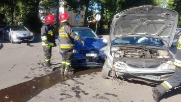 Wypadek w centrum Białogardu  - zderzyły się dwa auta.
