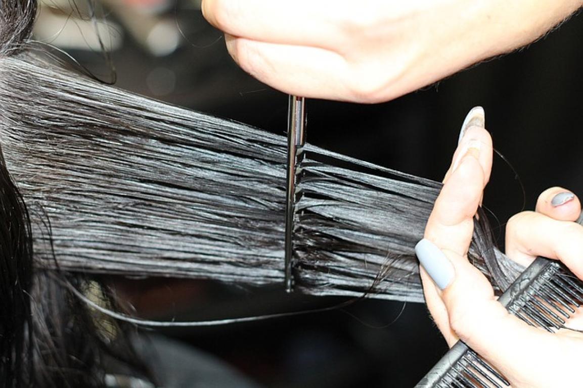 Praca dla fryzjerów/ fryzjerek
